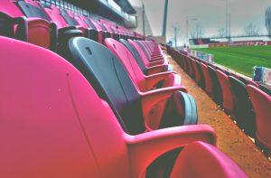 Rotomoldeo en el deporte, asientos estadio fútbol rojinegro Rotobasque